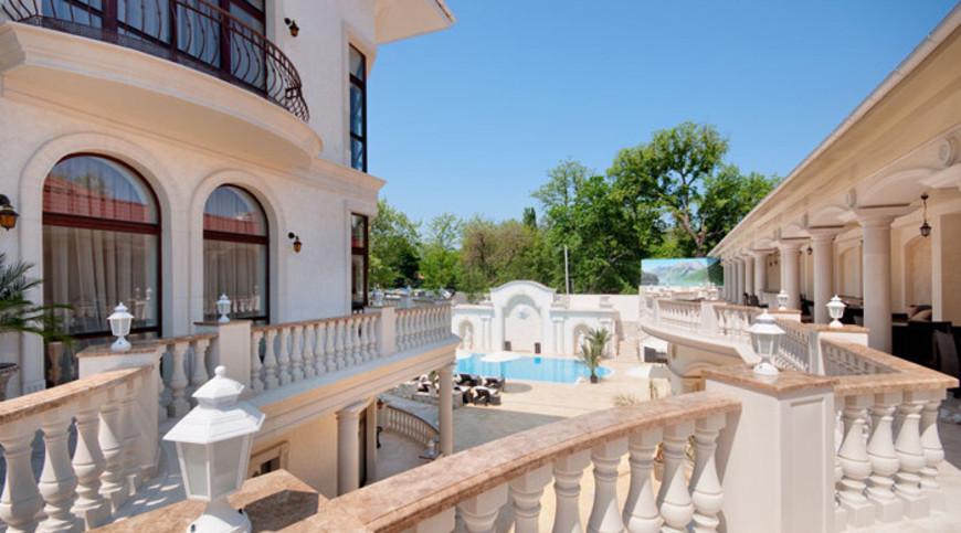 """Изображение отеля """"Villa le Premier"""" #4"""