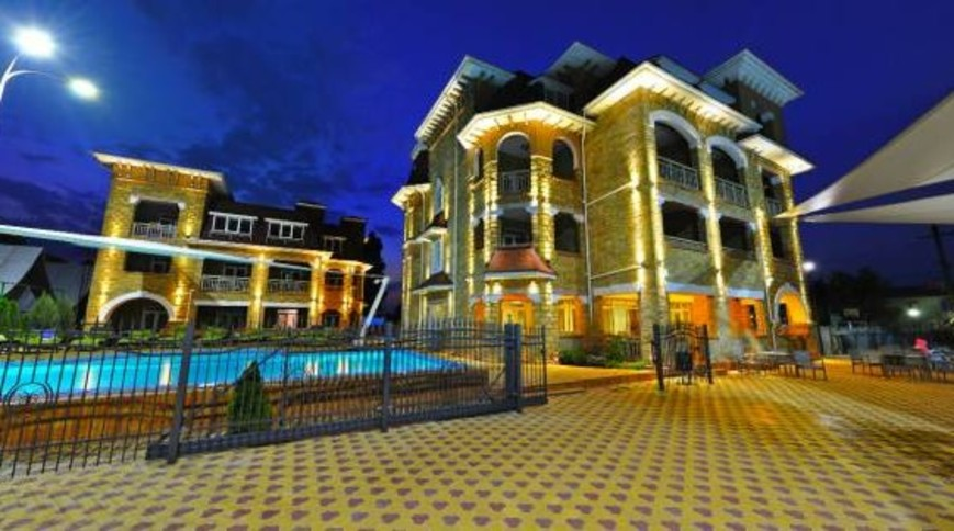 """Изображение отеля """"Marseille Resort"""" #1"""