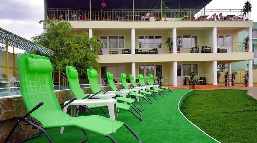 """Изображение отеля """"Green"""" #3"""