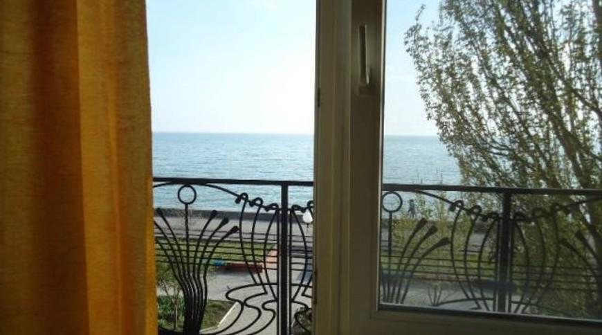 """Изображение квартиры """"Уютная однокомнатная квартира с видом на море"""" #1"""