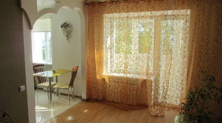 "Изображение квартиры ""Уютная квартира на Набережной с видом на море"" #3"