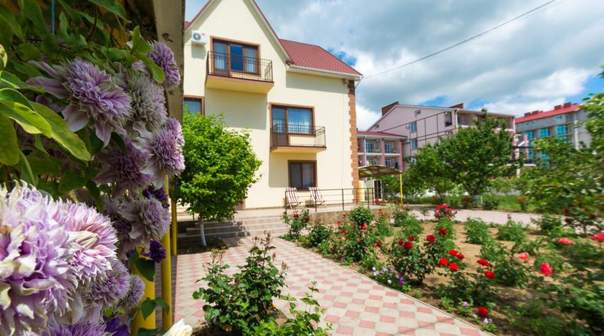 """Изображение гостевого дома """"Сдам Загородный дом на берегу Черного моря, в Затоке"""" #1"""