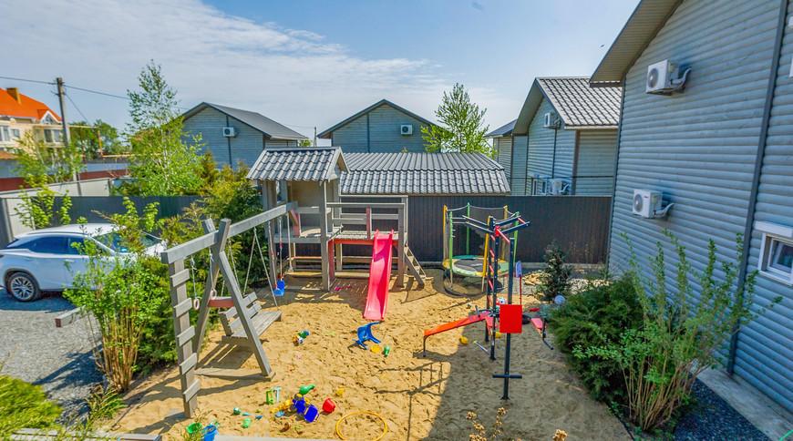 """Изображение гостьового будинку """"Будинок для відпочинку біля моря для сім'ї 2+2. Таунхаус Міні-Люкс"""" #1"""