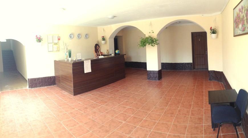 """Изображение отеля """"Azure DeLuxe"""" #5"""