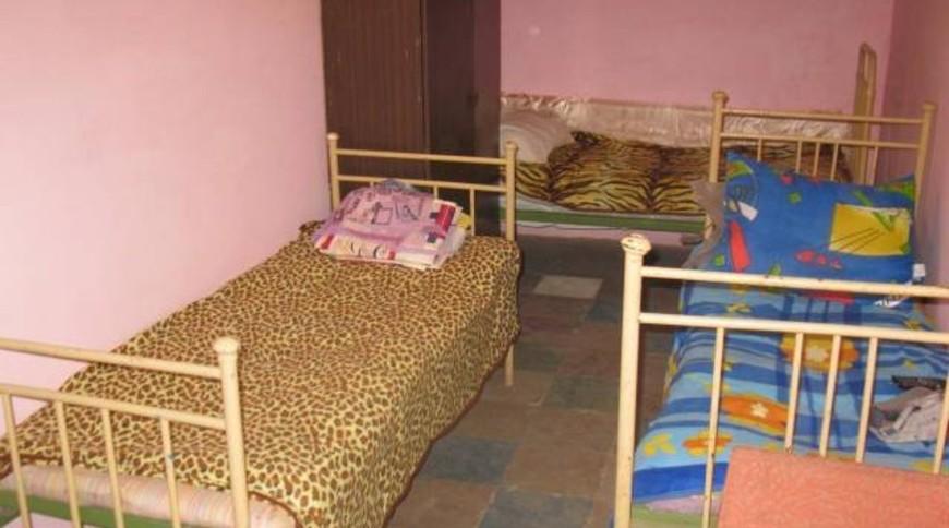 """Изображение частного дома """"Недорогое жилье в Мелекино, 1 спуск"""" #3"""