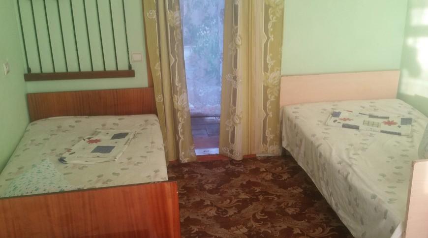 """Изображение мини-отеля """"Лебедь (Мелекино, 2-й спуск), от 40 гривен с человека в сутки"""" #21"""