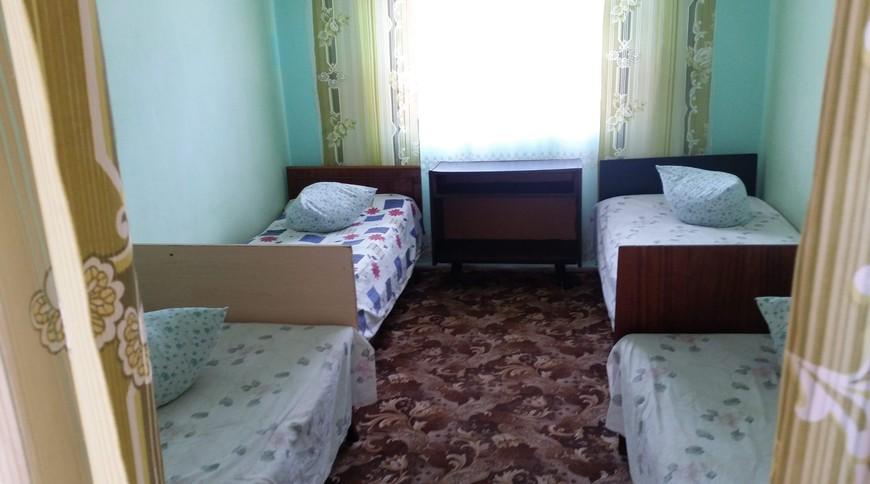 """Изображение мини-отеля """"Лебедь (Мелекино, 2-й спуск), от 40 гривен с человека в сутки"""" #29"""
