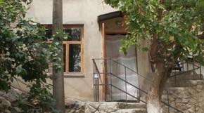 комната в 3-комнатном доме в каролино-бугаз