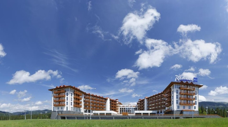 """Изображение отеля """"Radisson Blu Resort Bukovel"""" #1"""