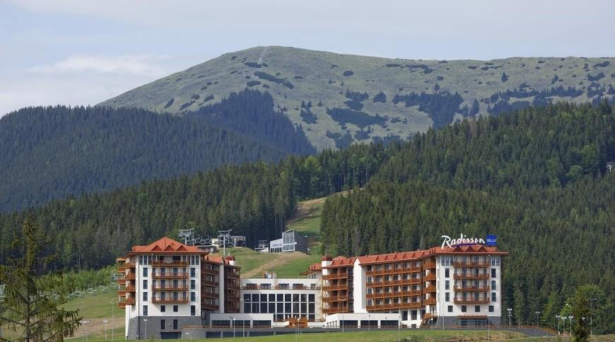 """Изображение отеля """"Radisson Blu Resort Bukovel"""" #3"""