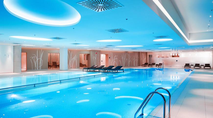 """Изображение отеля """"Radisson Blu Resort Bukovel"""" #8"""