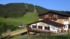 Chalet CrepDeChine Hotel