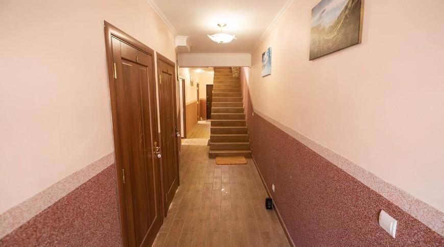"""Изображение отеля """"Гостинний Двір PETROS"""" #3"""