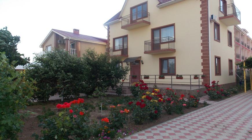 """Изображение частного дома """"Загородный дом на берегу Черного моря"""" #1"""