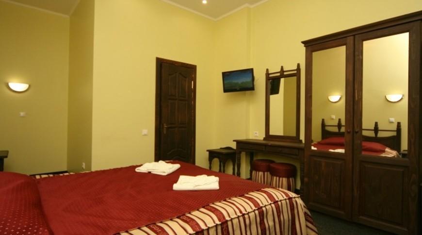 """Изображение отеля """"PATKOVSKI HOTEL"""" #9"""