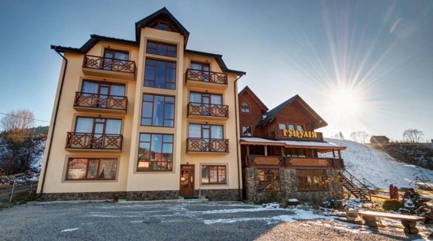 """Изображение готелю """"Hotel Gutsulia"""" #1"""