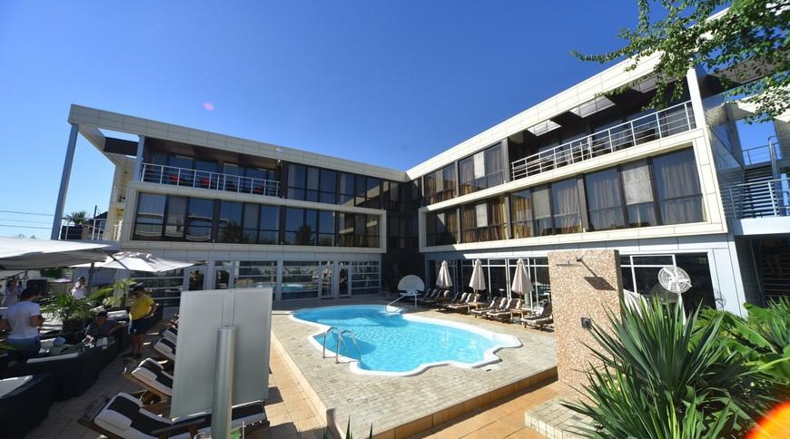 """Изображение отеля """"Bless Resort & Villa"""" #1"""