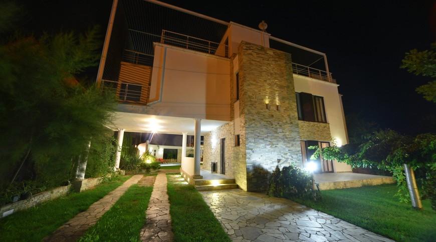 """Изображение отеля """"Bless Resort & Villa"""" #3"""
